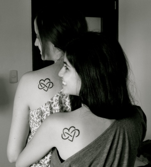 mother-daughter-tattoo-ideas-on-foot